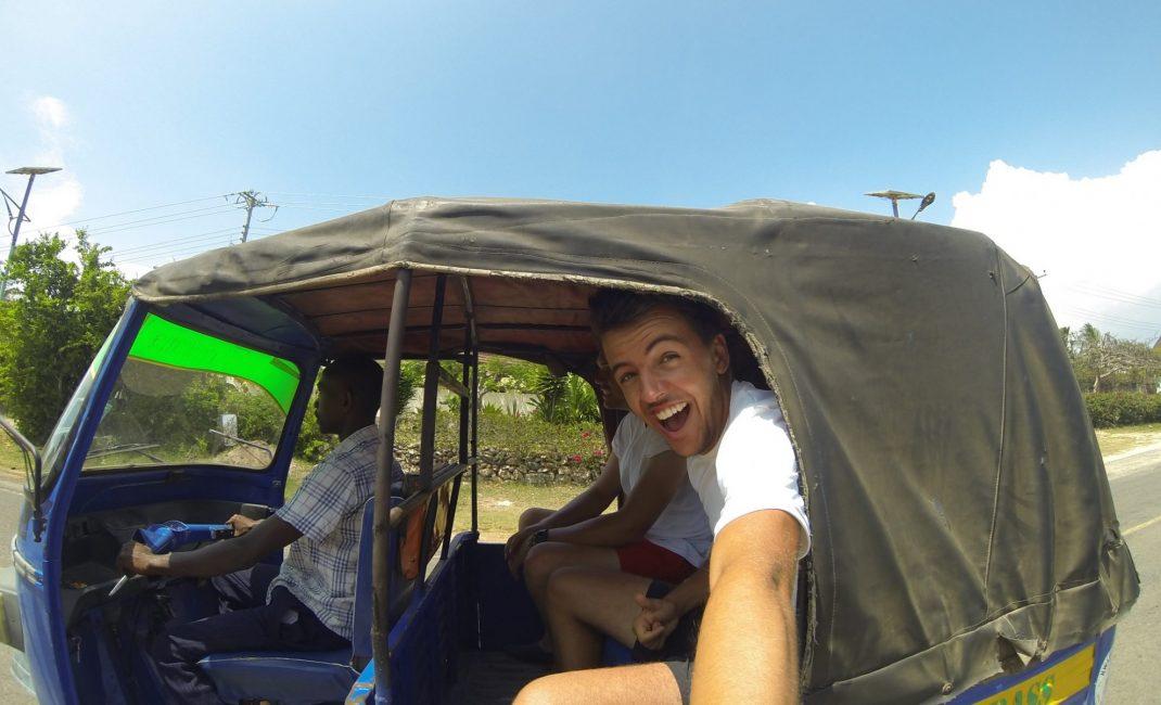 foto 4 Tuktuk, Diani
