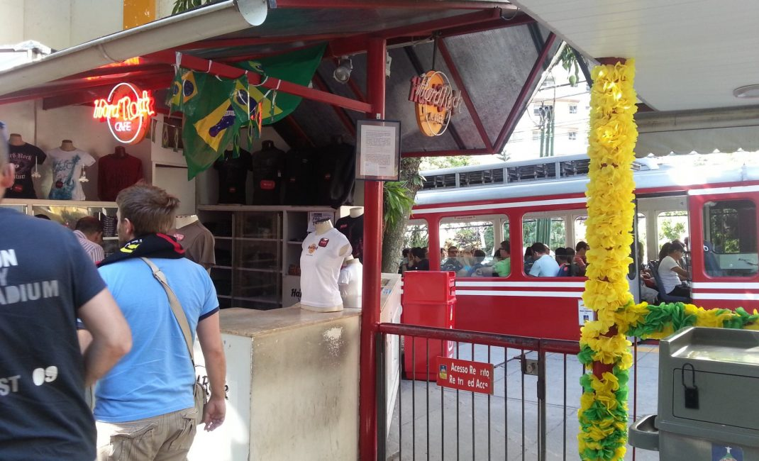 Het Hard Rock Café aan het treinstation Corcovado.