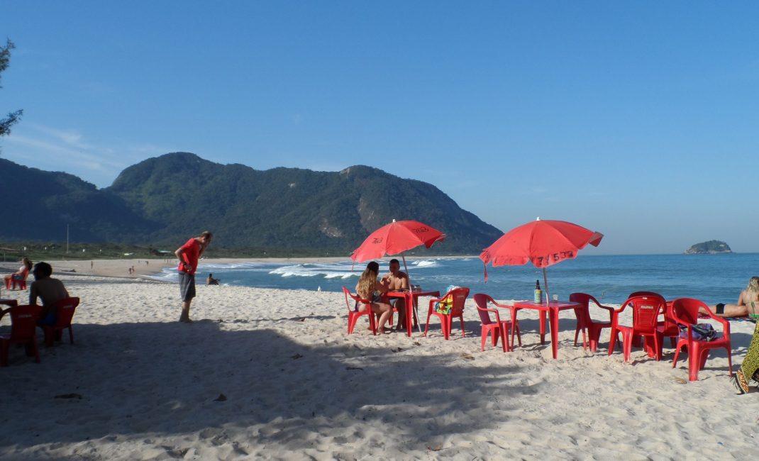 Grumari Beach, u warm aanbevolen door Freddie De Kerpel.