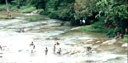 209195-Sri_Lankan_scenery_Sri_Lanka