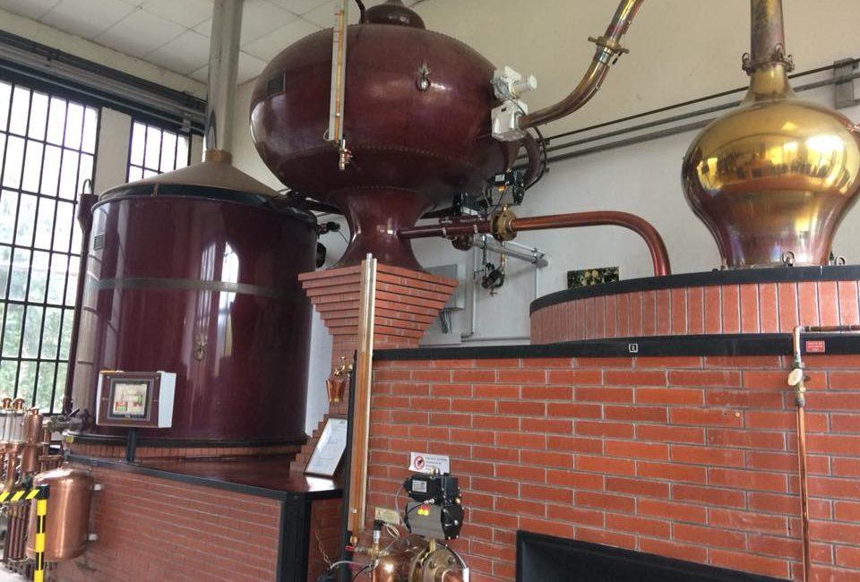 Instalatie om Calvados te produceren.