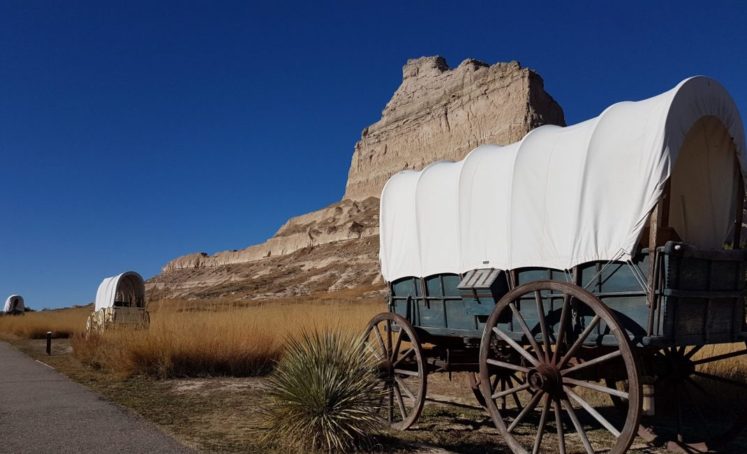 37 Oregon Trail Scotts Bluff Wagons