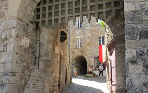 één van de toegangspoorten - Sévérac-le-Chateau - Frankrijk